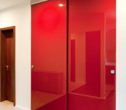 раздвижные двери красные